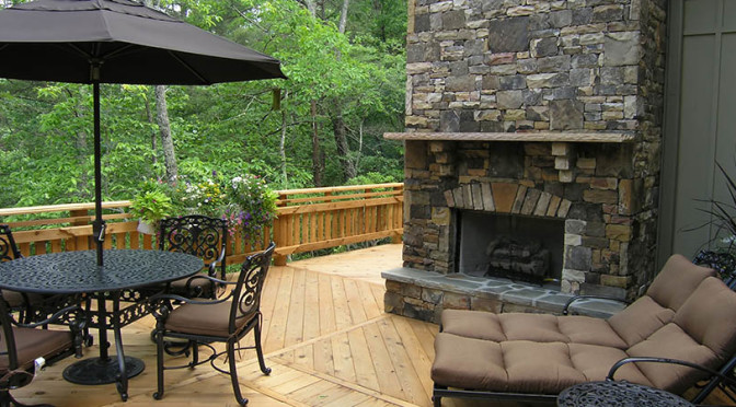 The different types of custom made outdoor fireplaces