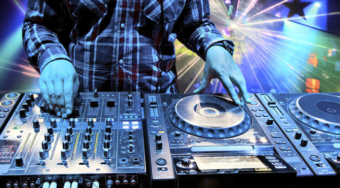 How to choose the right stage for your event